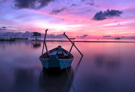 discover the power of stillness with a spiritual mentor & life coach